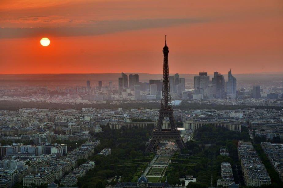 Paryż, widok na Wieżę Eiffel'a