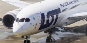Polskie Linie Lotnicze LOT rozwijają skrzydła, równocześnie nie zapominając o bohaterach