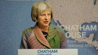 Premier Theresa May zapowiada większą kontrolę internetu