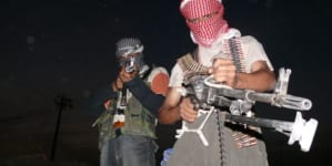 Setki krewnych dżihadystów uciekło na północ Syrii. Kurdowie stawiają opór tureckiej inwazji