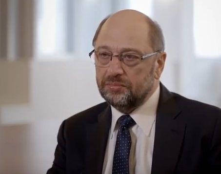 Schulz krytykuje politykę Angeli Merkel wobec Polski