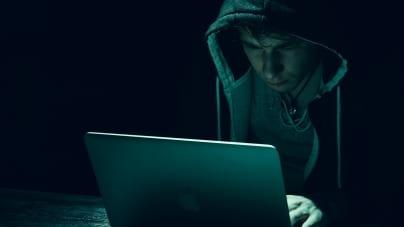 [OPINIA] Kowalik: Dominacja lewicy w mediach społecznościowych zagraża demokracji
