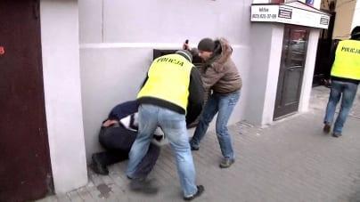 Poseł PO skarży się na brutalność policji za rządów PiS, pokazując zdjęcie z pacyfikacji Marszu Niepodległości … w 2011 r.