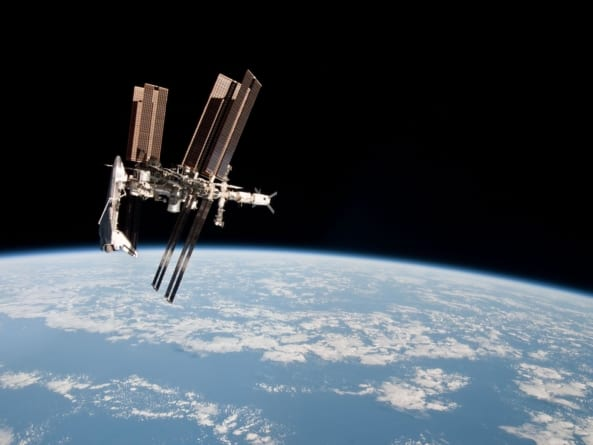 Pierwszy spacer kosmiczny wyłącznie z astronautkami