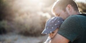 UK: Sąd rozpatruje pozew mężczyzny o zwrot kosztów poniesionych na dziecko