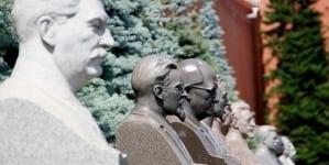"""Putin chwali Stalina: """"Nie zhańbił się przez osobiste spotkanie z Hitlerem"""""""