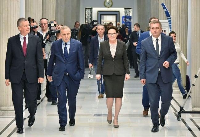 Będą konsekwencje dla europosłów PO za głosowanie za sankcjami dla Polski?