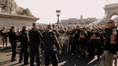 Węgierscy nacjonaliści zatrzymali marsz homoseksualistów w Budapeszcie [WIDEO]