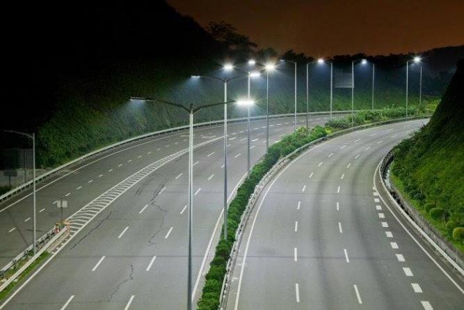 Pieniądze i ekologia dla miast. Jak samorządy zyskują na LED?