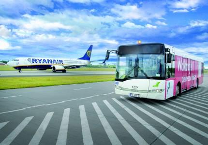 Solaris Urbino 12 na lotnisku w Łodzi, fot. Solaris