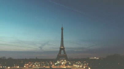 Francja przedłuża stan wyjątkowy na obszarze całego kraju