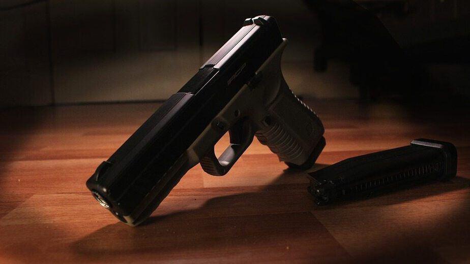 Pistolet.