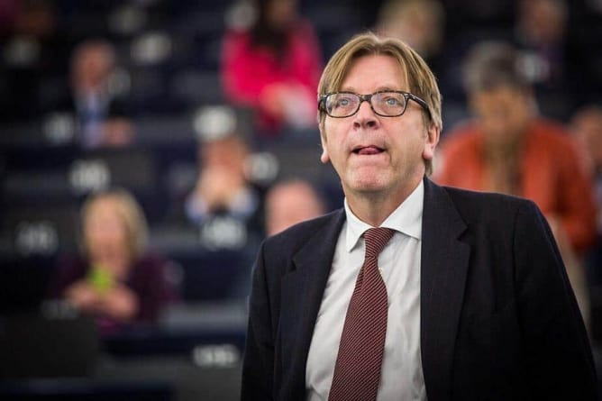 Warszawski sąd ukarany za bierność w sprawie przeciwko Verhofstadtowi