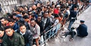 """Taksówkarze unikają przy turystach imigranckich dzielnic: """"Nie chcemy szokować"""""""