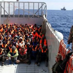 Hiszpania przyjmie statek z imigrantami. Jednostka zacumuje w Walencji