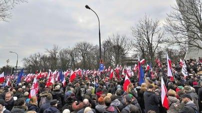 """Zrobią nam """"Majdan"""" według tego planu? Fundacja publikuje 16 punktowy program zamachu stanu!"""