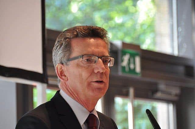 Szef niemieckiego MSW za utrzymaniem ograniczenia sprowadzania rodzin przez imigrantów