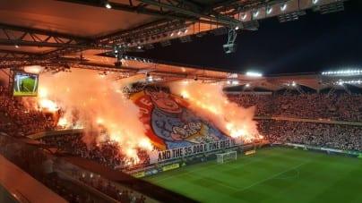 UEFA ukarała Legię, a kibice… odpowiedzieli oprawą! Znów będzie o nich głośno