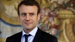 Macron odznacza medalem Eltona Johna i wzywa do mobilizacji przeciwko AIDS