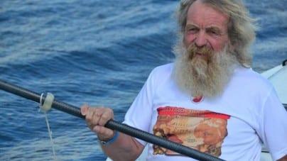 71-letni Polak pokonuje Atlantyk kajakiem