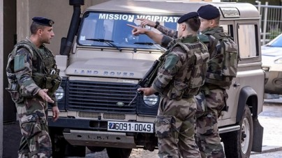 Francja – podejrzany o atak na żołnierzy w rękach policji