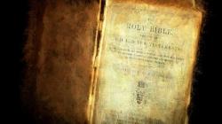 Papież Franciszek zachęca do czytania Pisma Świętego