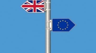 """Juncker o Brexit i premier Wielkiej Brytanii: """"Ona jest twardym negocjatorem"""""""