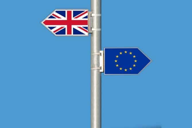 Nowe brytyjskie paszporty będą produkowane w polskim zakładzie w Tczewie