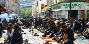 Tak kończy się liberalny katolicyzm? Archidiecezja Bordeaux wzywa o wsparcie dla muzułmanów