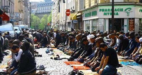 """Wstrząsające wyznania nawróconej imigrantki: """"Zostaliśmy ponownie zislamizowani w Szwecji"""""""