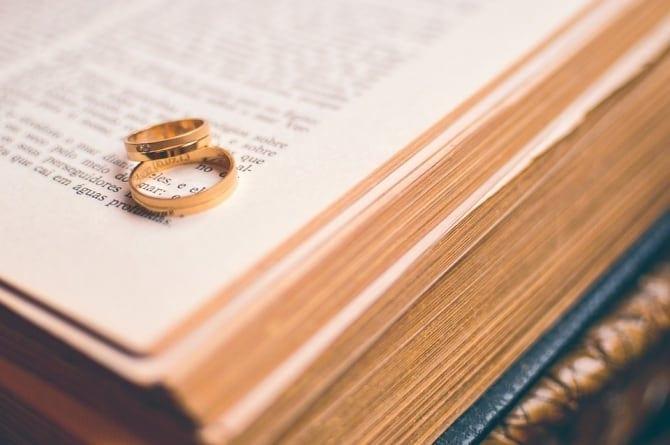 Dr Marcin Olszówka o małżeństwie: Należy przestrzegać zapisów Konstytucji [WIDEO]