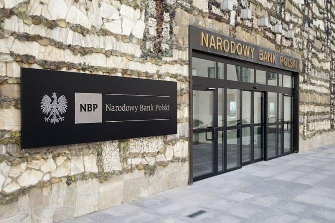 Lider Wszechpolaków obejmuje ważne stanowisko w NBP. Burza w mediach