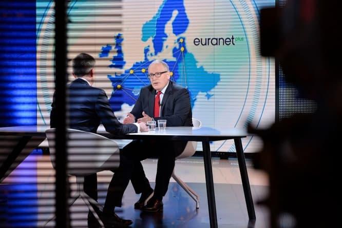 Timmermans: Polski rząd musi podjąć szybkie działania, by rozwiązać kwestie dotyczące sądownictwa