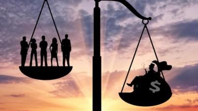 DOLIŃSKI: Nierówności społeczno-ekonomiczne zniszczą Zachód