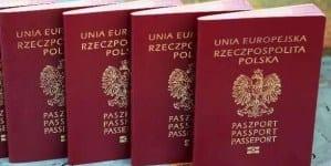"""Bodnar w błędzie! Hasło """"Bóg, Honor, Ojczyzna"""" na paszportach zgodne z Konstytucją"""