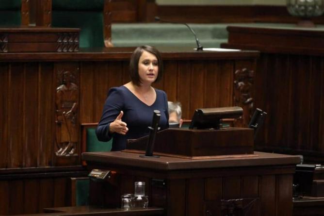 Posłanka partii rządzącej interweniuje ws. nowych obostrzeń
