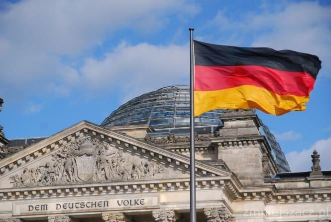 Zmiany w niemieckiej polityce. Następczyni Angeli Merkel rezygnuje?