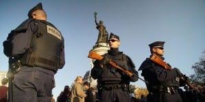 Francja: Codziennie 120 napadów i aktów agresji z użyciem noża