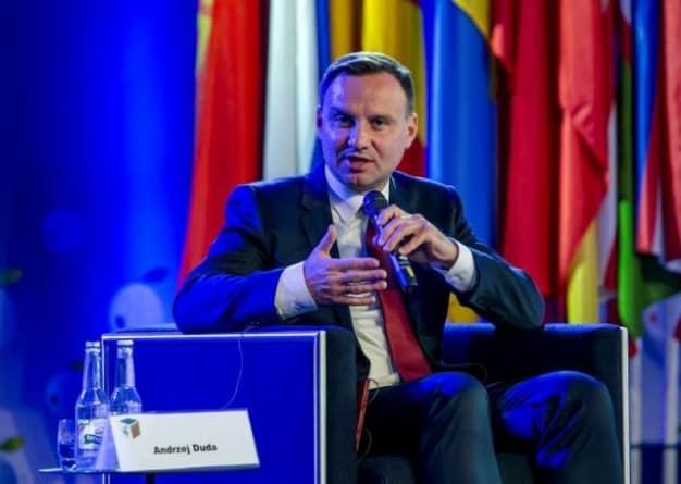 """""""Nie ma tam żadnego zysku, a same potencjalne straty"""". Andrzej Duda nie zamierza angażować się w spór o władzę w Sądzie Najwyższym"""