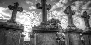 Polskie groby na Ukrainie penetrowane przez tzw. czarnych archeologów