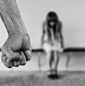 Publiczna egzekucja gwałcicieli i morderców 12-latki. Pedofile rozstrzelani