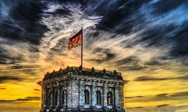 Niemcy: Lewicowi bojówkarze żądają zaprzestania sprzedaży prawicowych gazet