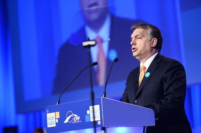 """Prorodzinny program Orbana robi wrażenie: """"Polski rząd powinien się uczyć"""""""