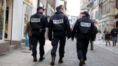 """Francja: 32-letni Turek pobił policjantkę """"bo go wkurzała"""""""