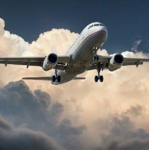 Podmuchy wiatru przeszkodziły w lądowaniu na gdańskim lotnisku