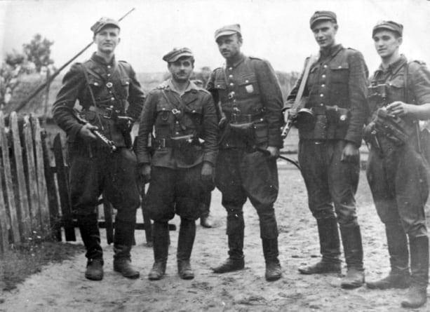 """Marsz Żołnierzy Wyklętych w Dąbrowie Górniczej poświęcony """"Żelaznemu"""""""
