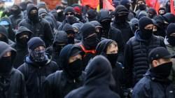 Anarchiści zdemolowali pub. Powód? Właściciel zaprasza patriotów