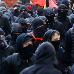 Roty Niepodległości żądają postawienie przed sądem Trzaskowskiego za wspieranie lewackich bojówek!