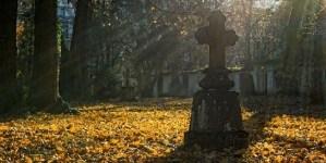 W czasie epidemii spadła liczba pogrzebów. Problemy branży funeralnej