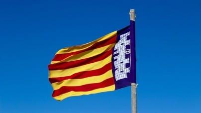 """Tusk prosi o """"uniknięcie eskalacji"""" w Hiszpanii. Serbski prezydent pyta o podwójne standardy ws. Katalonii i Kosowa"""